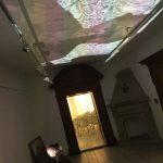 Klöppelspitze und die Frauen, die sie herstellen, rückte leo N. mit dieser interaktiven Projektion in den Fokus.